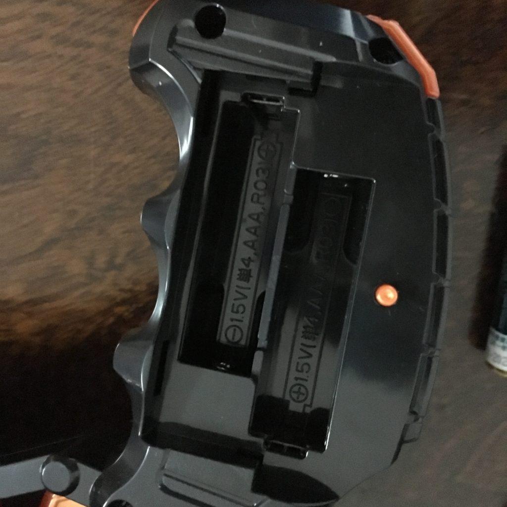 ホークガトリンガーの電池は単4電池ですよ~